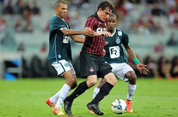 Goias-vs-Athletico-Paranaense-06h00-ngay-14-06-3