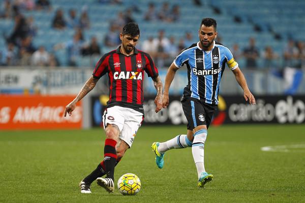 gremio-vs-atletico-paranaense-soi-keo-cup-quoc-gia-brazil-15-08-giang-bay-con-moi-3