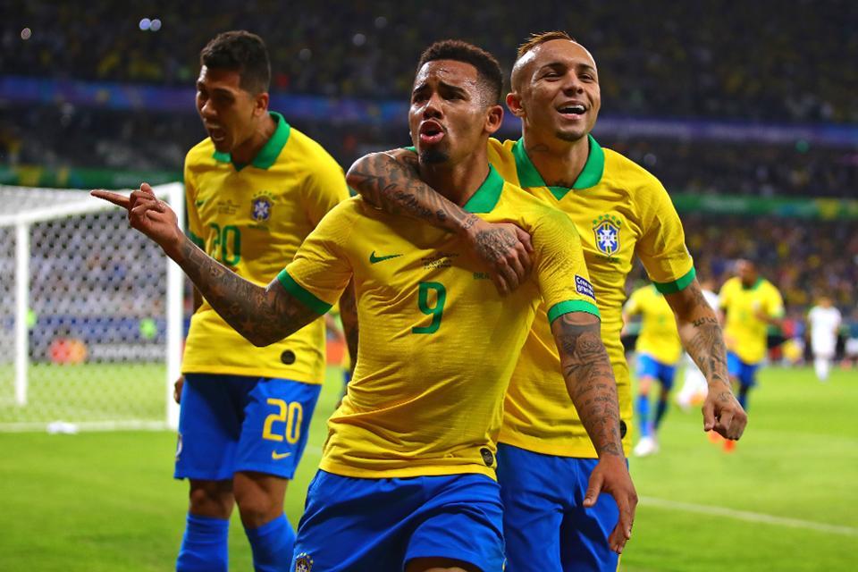 brazil-vs-peru-soi-keo-giao-huu-quoc-te-11-09-nhay-mua-tung-bung-3
